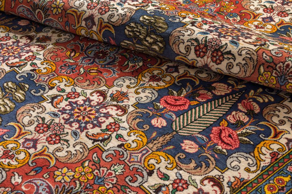 Oriental floral Persian rug